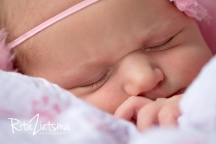 Bethlehem Vivien Newborn 2015 Jun 12_01-Edit